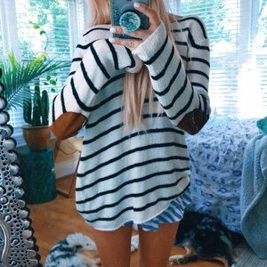 Honey Punch Elbow Patch Hipster Knit Sweater 🌿